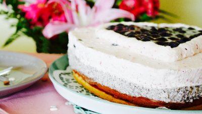 Heidelbeer Torte mit Mohnsahne