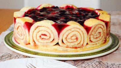 Die Brüsseler Torte mit Beeren-Sahne